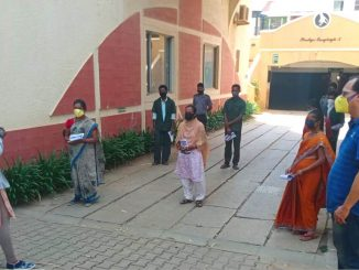 As part of efforts to creating awareness and educating house-keeping and security staff to combat COVID-19, BBMP held a session Prestige Langleigh apartment in Ward-83, Kadugodi. Pic: Twitter handle of BBMP Special Commissioner (SWM)